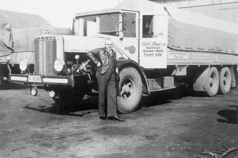 Josef Fiege Junior in front of one of the first Fiege trucks